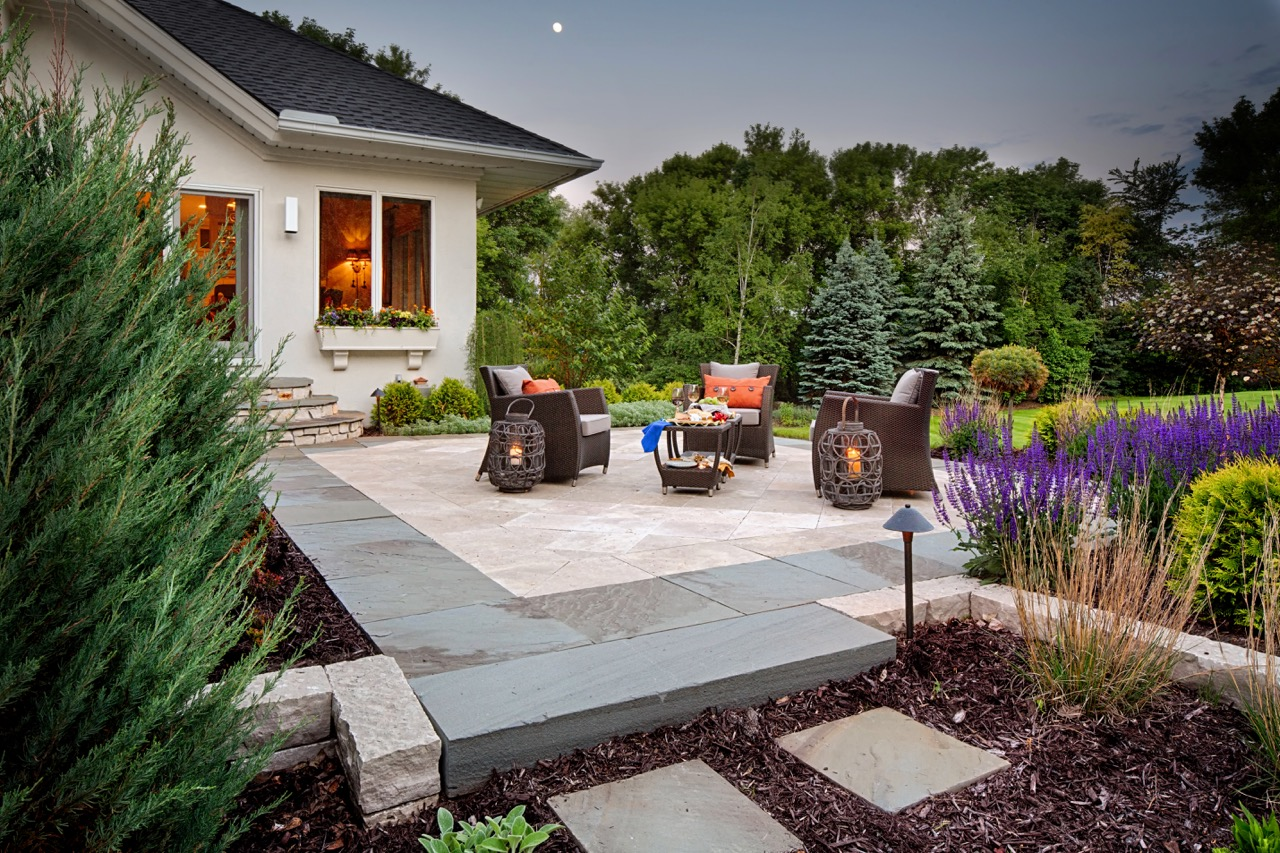 Moms Design Build - Front Yard Patio Couch Section