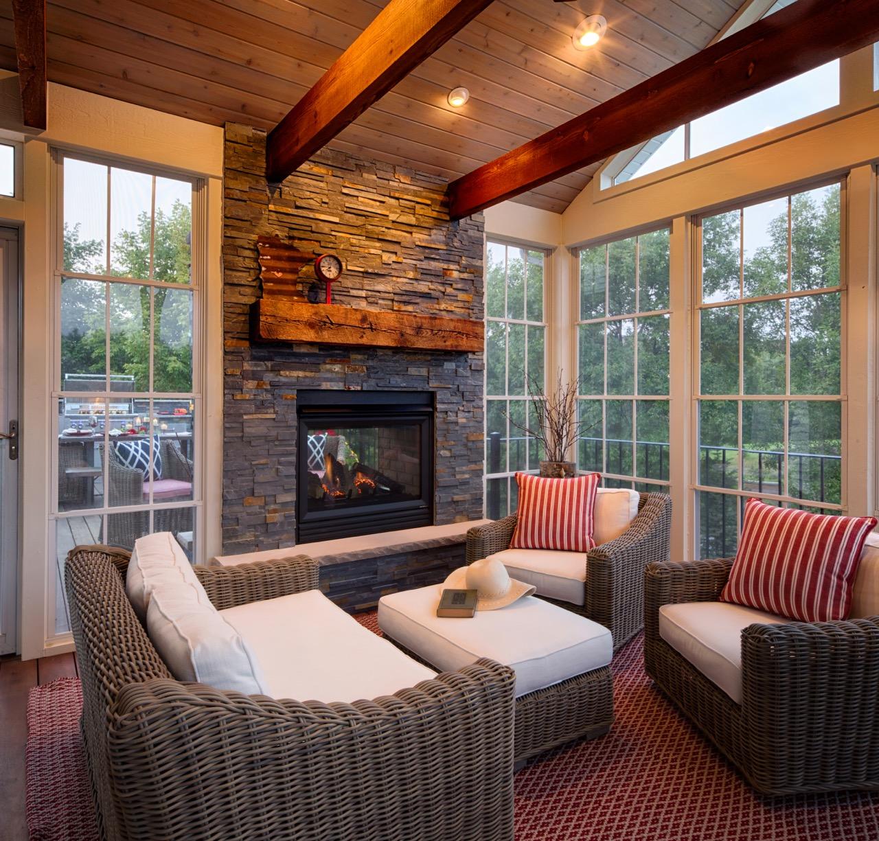 Moms Design Build - Custom Porch indoor Outdoor