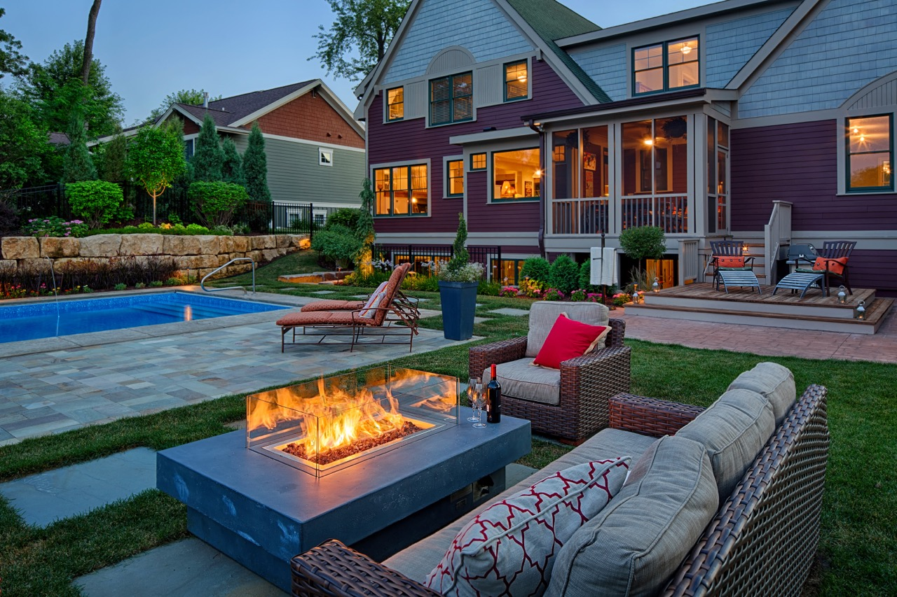 Moms Design Build - Natural Gas Fire Place Outdoor Couch