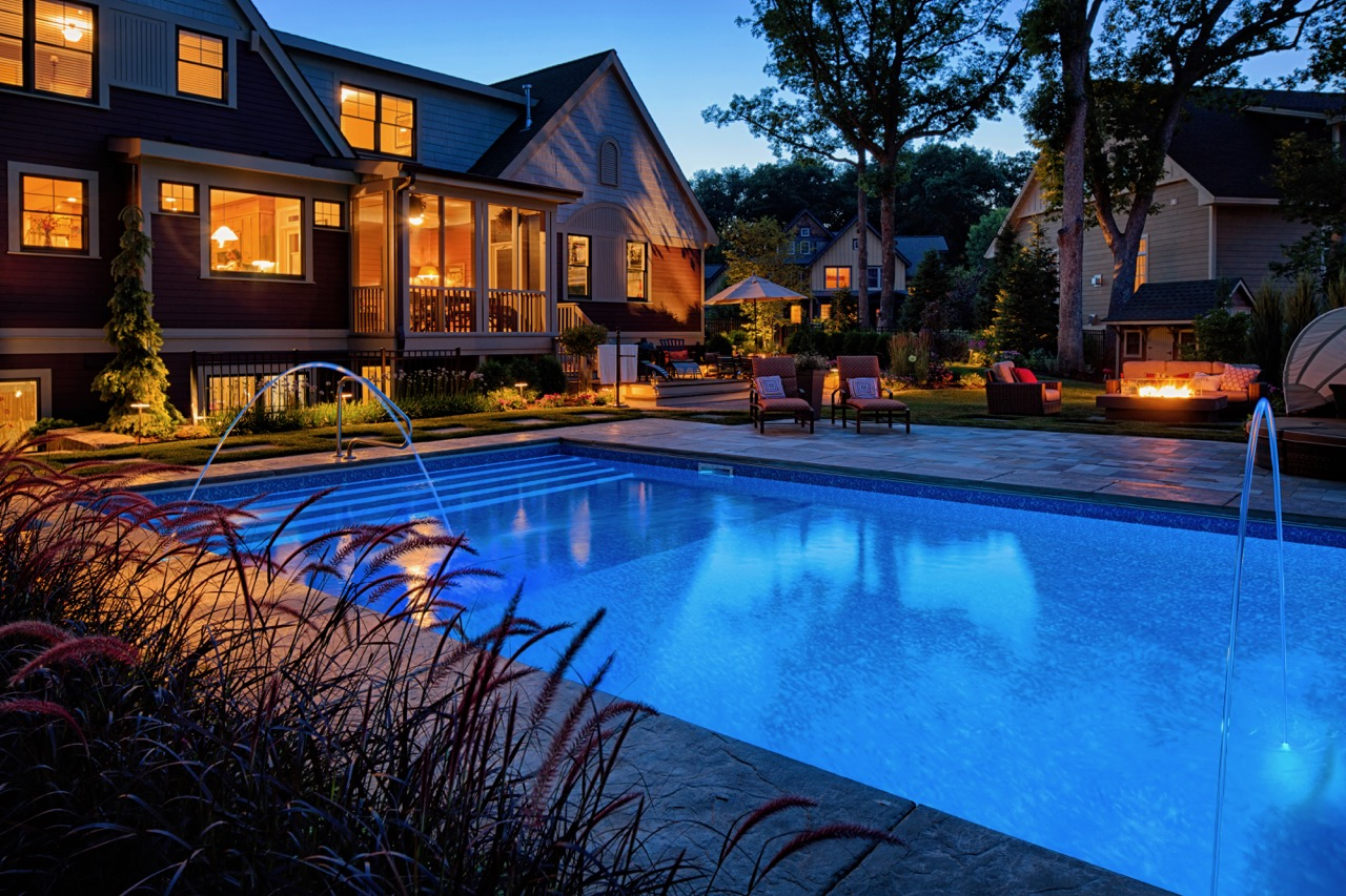 Moms Design Build - Backyard Pool Design Construction