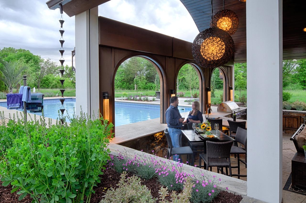 Mom's Design Build - Swim Up Bar Outdoor Kitchen