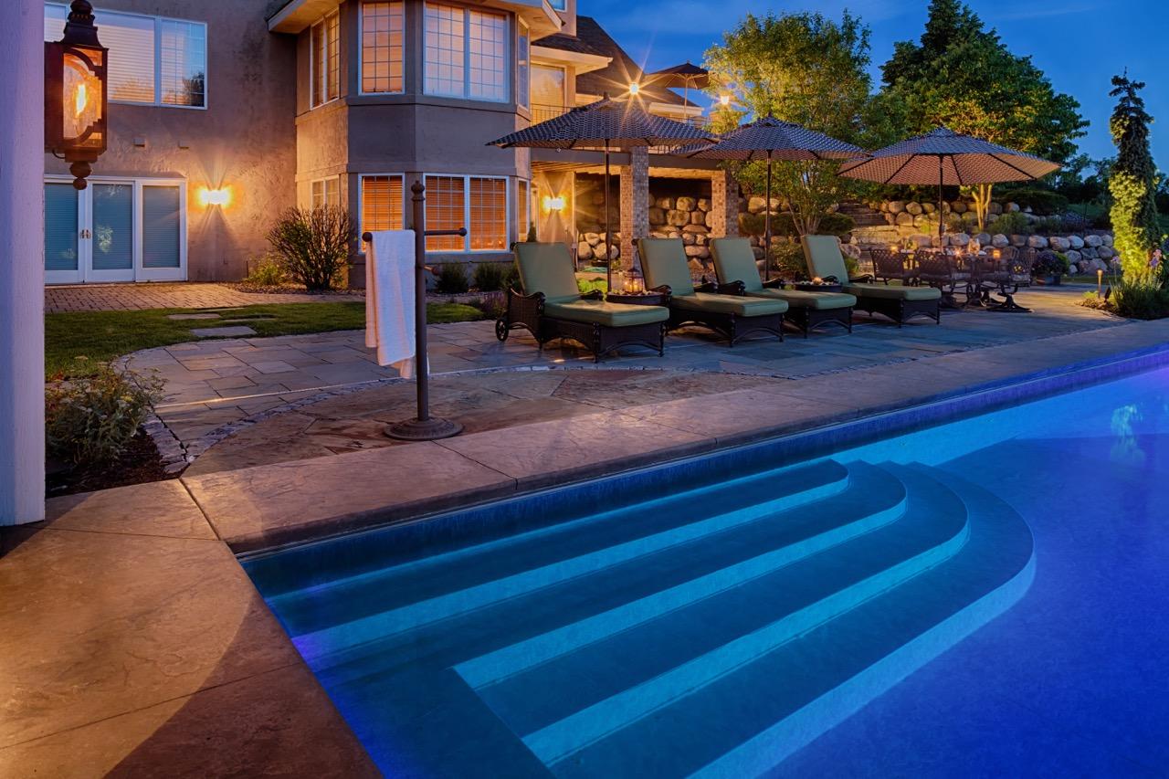 Mom's Design Build - Swim up bar Poolside umbrella ideas