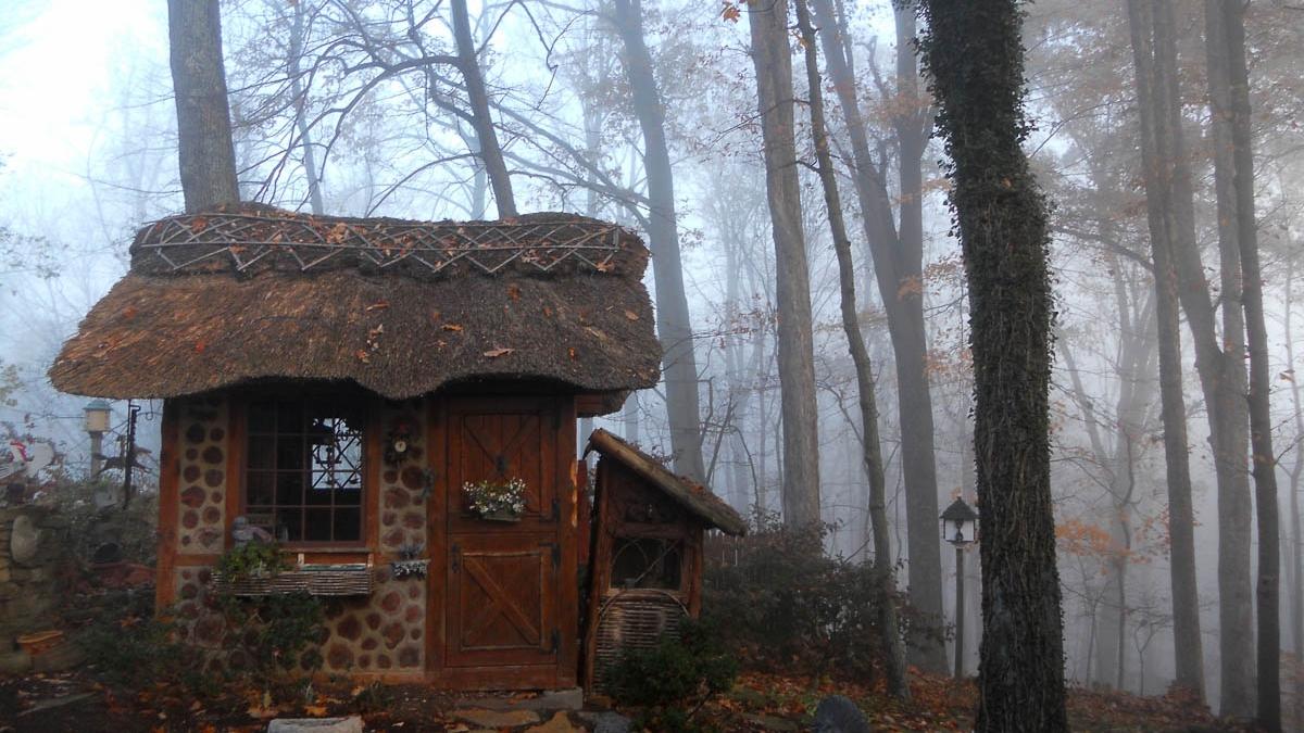 Image via  RoofThatch.com