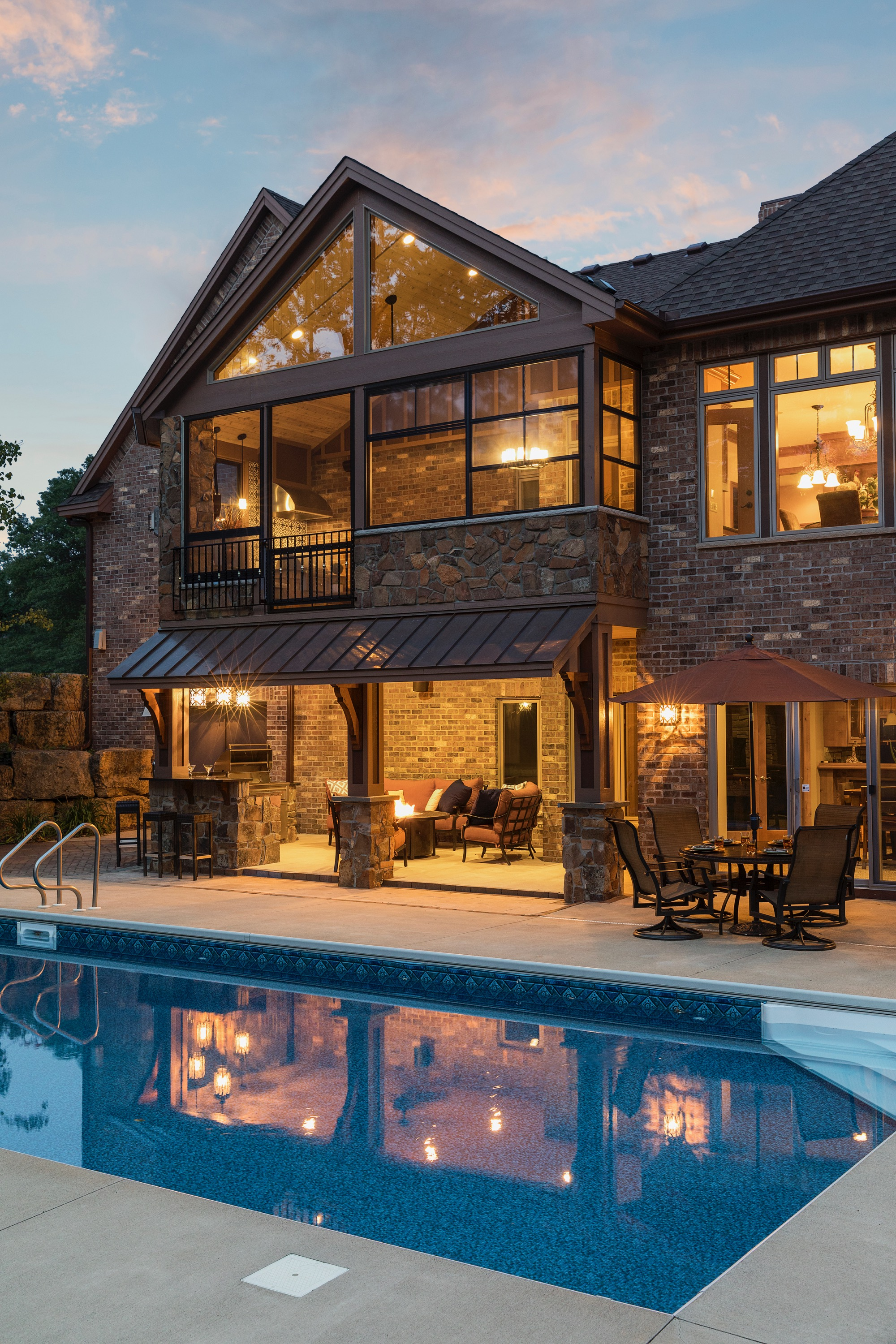 Moms Design Build - Outdoor Pool house Lounging HGTV