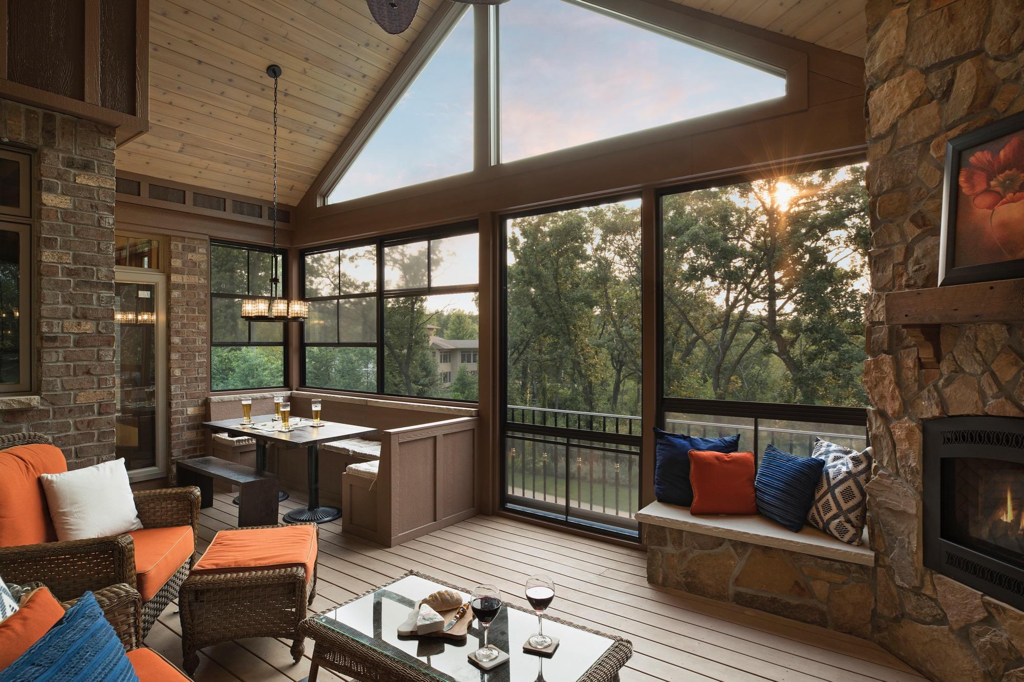 Moms Design Build - 4 Season Porch