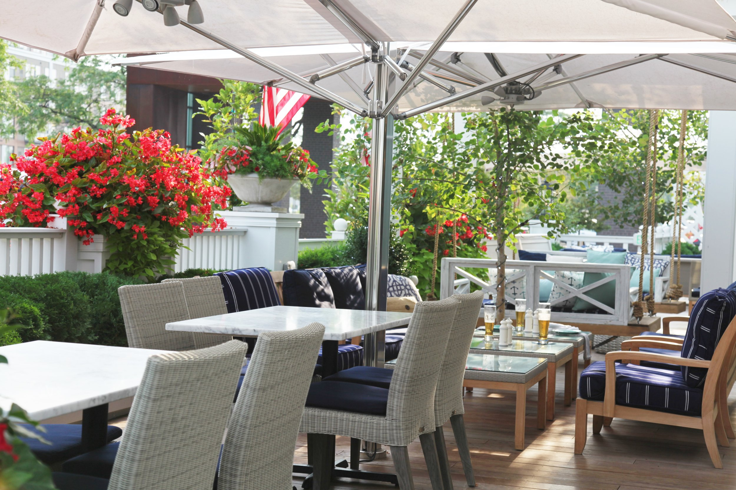 Mom's Design Build - Edina MN Outdoor Dining