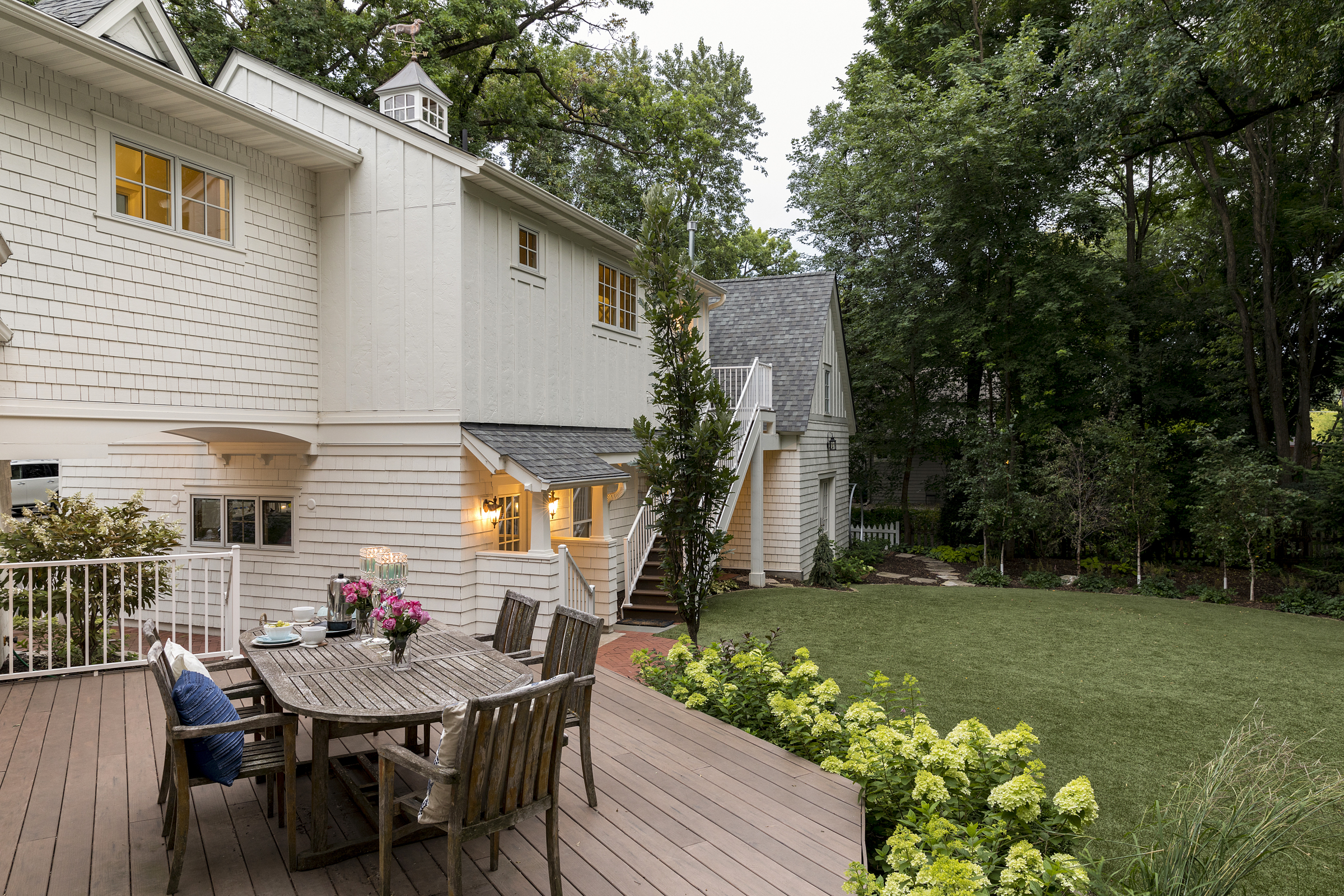 Mom's Design Build - Modern Cottage Outdoor Dining
