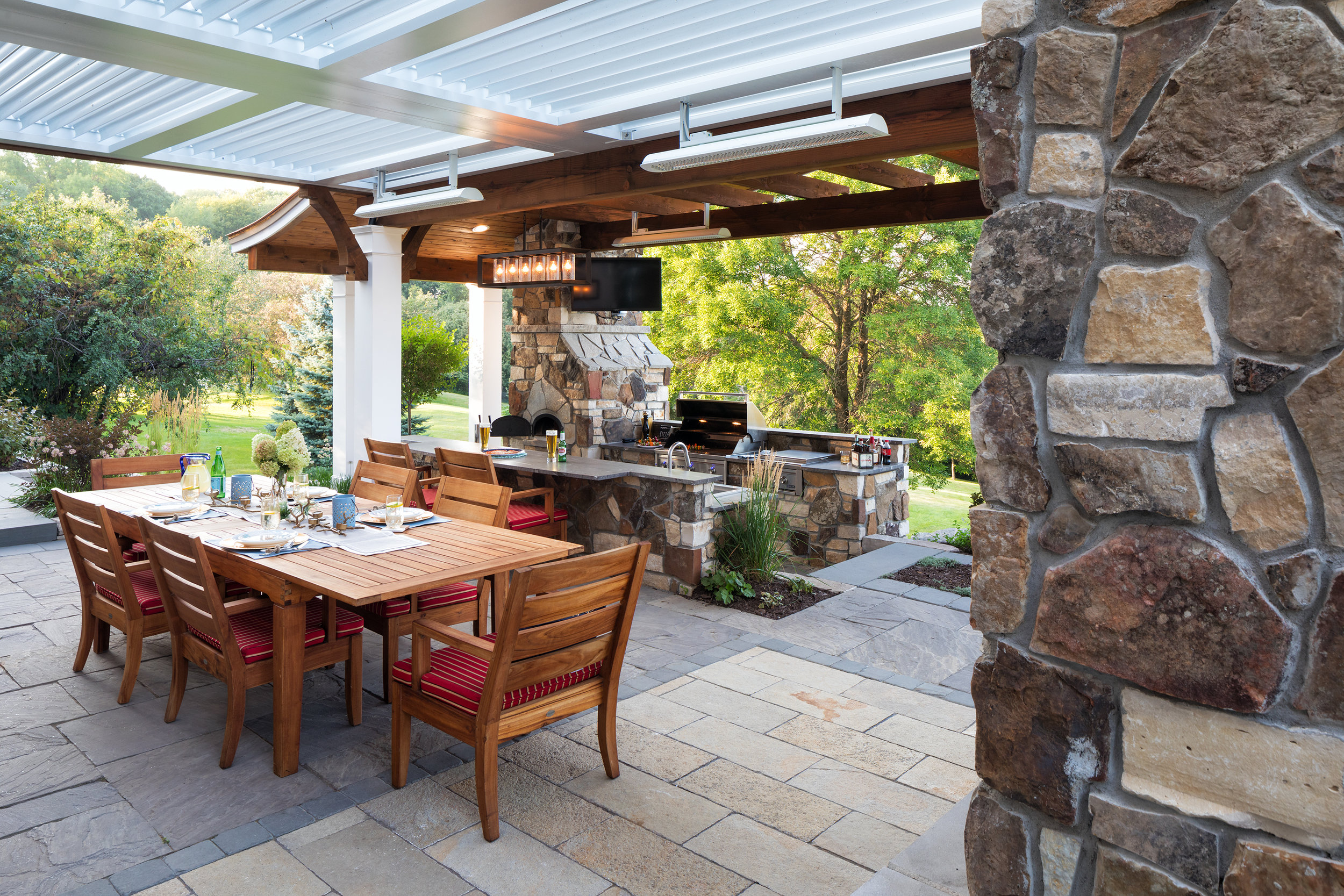 Mom's Design Build - Outdoor Dining Room Table