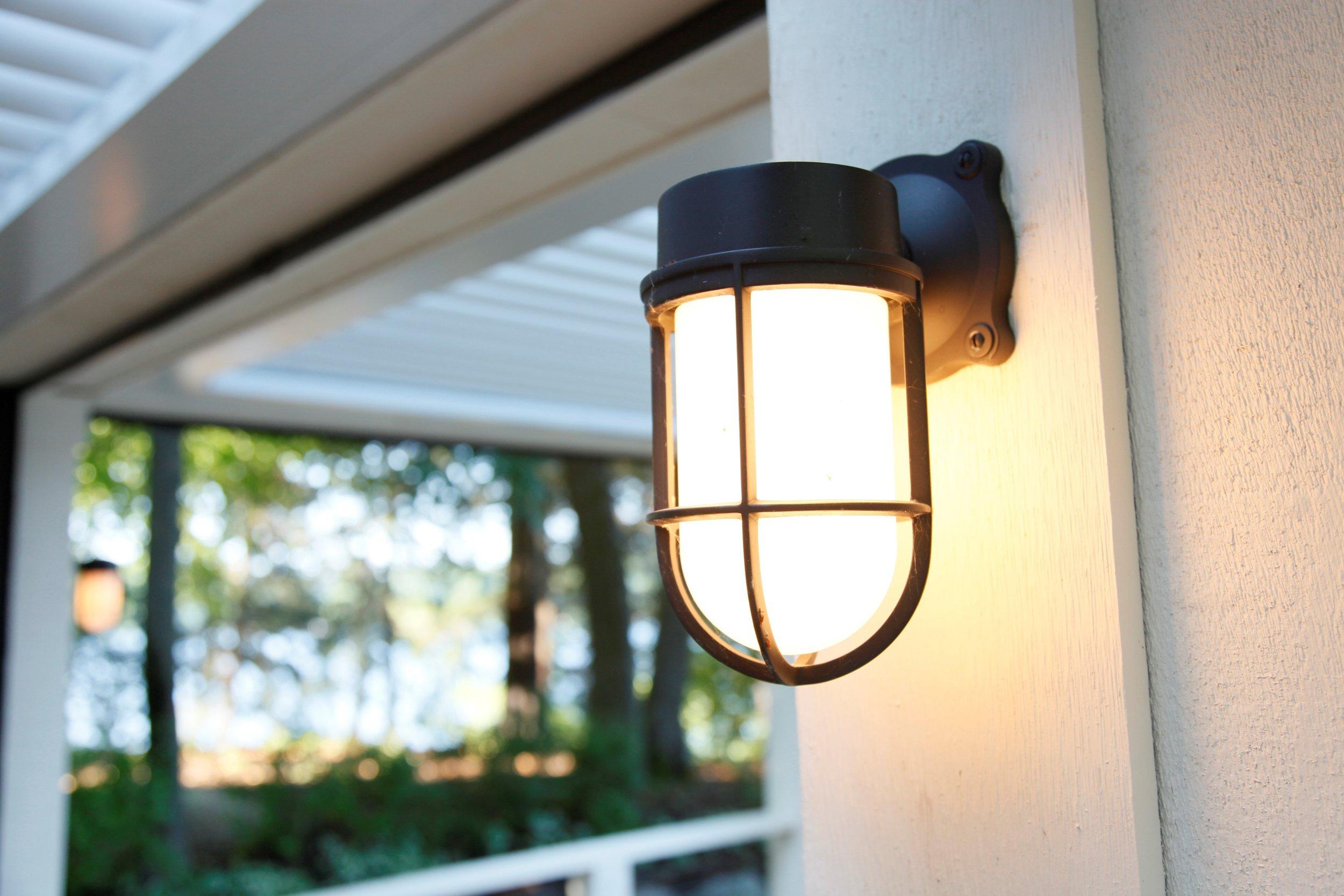 Mom's Design Build - East Coast Accent Light Feature