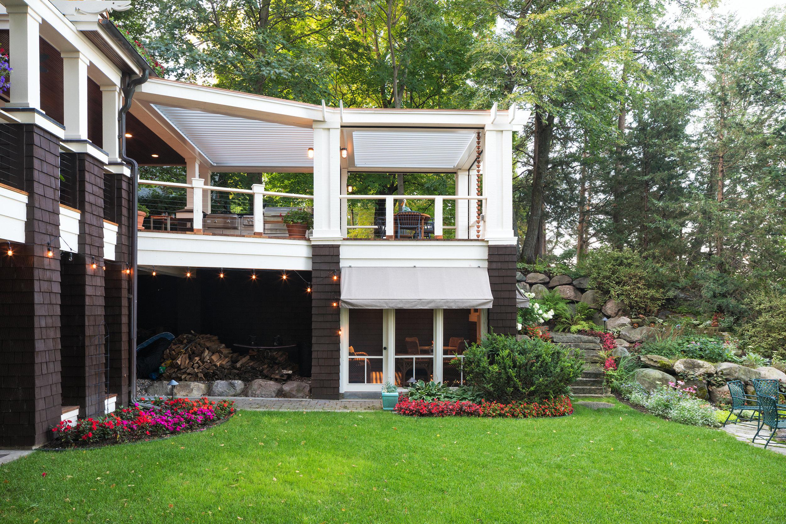 Mom's Design Build - Backyard Automated Aluminum Pergola System Deck