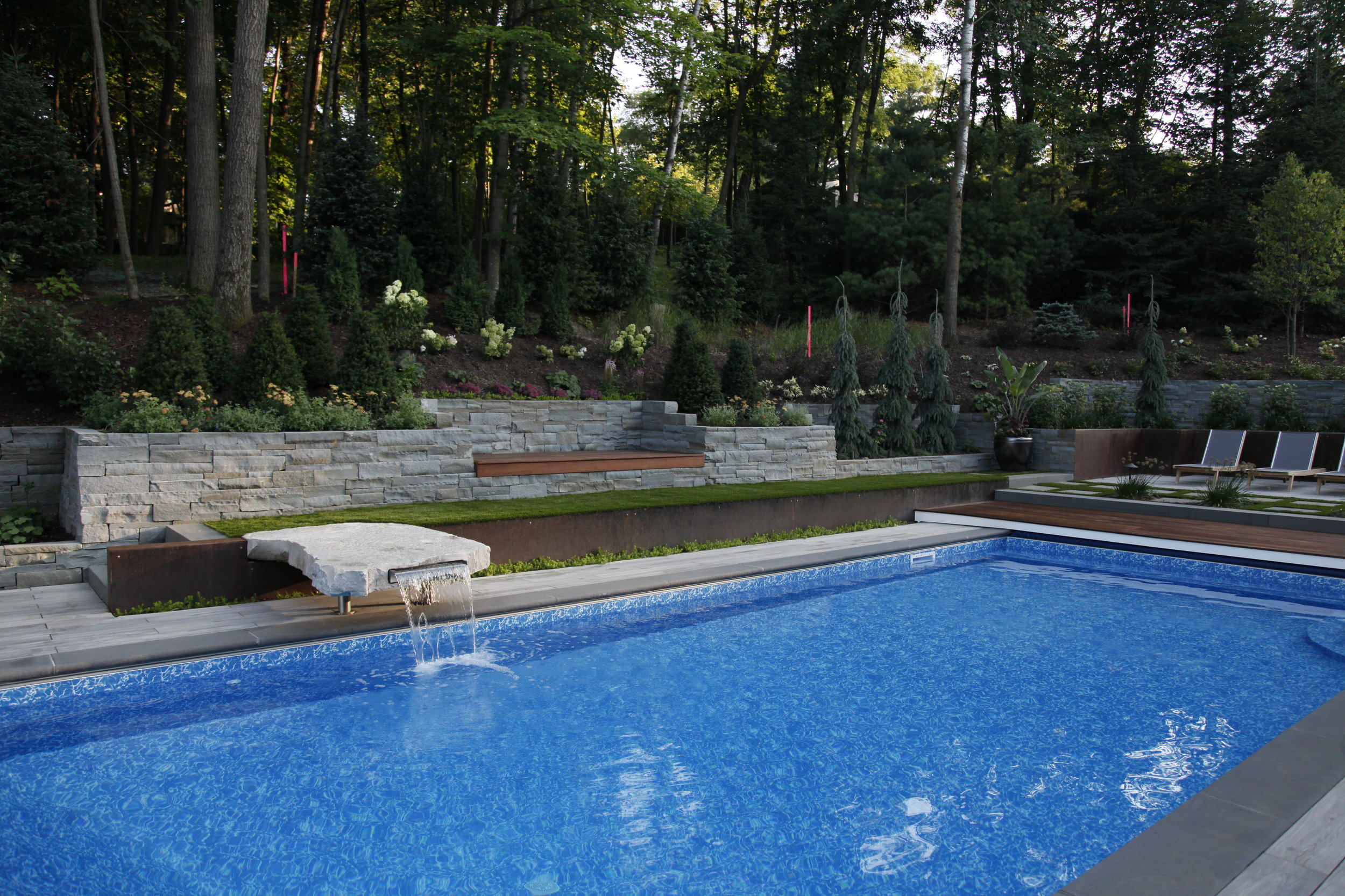 Moms Design Build - Custom Pool Design Water Feature