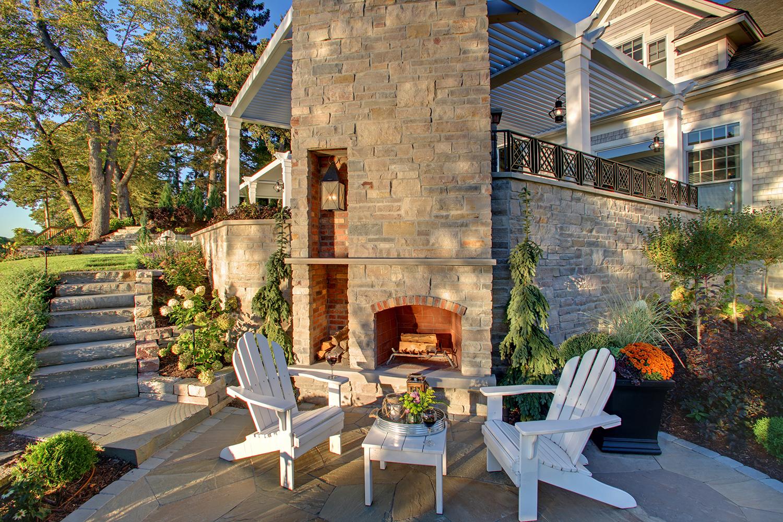 Mom's Design Build - Lake Minnetonka backyard landscape retaining wall design