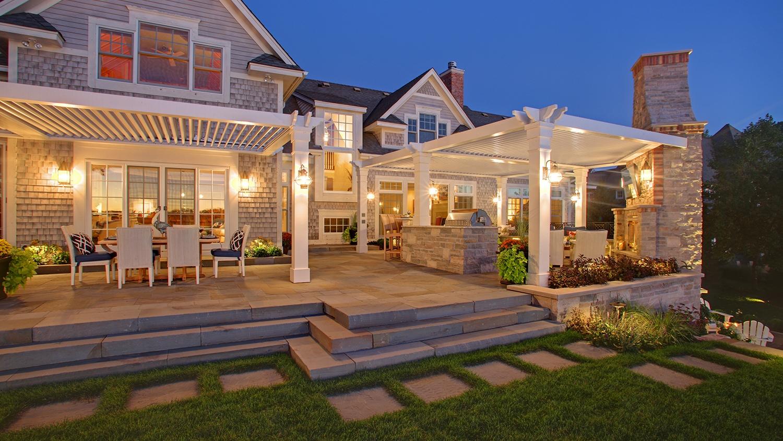 Mom's Design Build - Lake Minnetonka yard landscape architecture