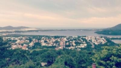 Overlooking all of Lagoa