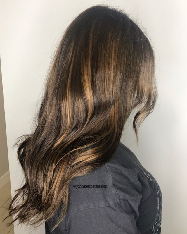 Swipe for before👉🏻 Subtle Balayage by stylist Ayla ✨✨✨ . . #hair #instahair #sombre #balayagedandpainted #braidsandbalayage #licensedtocreate #hairstyles #haircolor #hairoftheday #imallaboutdahair #behindthechair #ombre #balayage #yeg #yegstylist #sprucegrove
