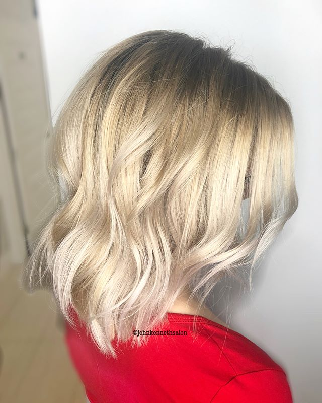 Swipe for before 👉🏻 Shadow root and bright blonde by stylist Ayla ✨✨✨ . . #blondemob #licensedtocreate #hairstyles #haircolor #hairoftheday #imallaboutdahair #behindthechair #yeg #yegstylist #sprucegrovehair #modernsalon