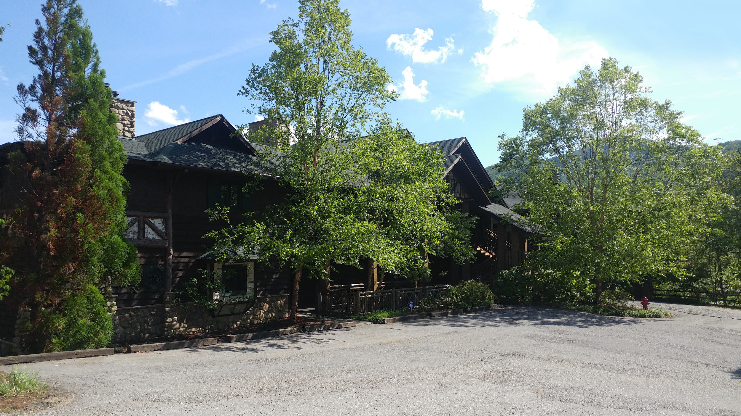 The Great Camp of the Smokies   Buckberry Lodge