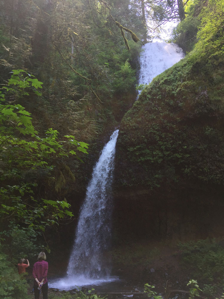 latourell-falls-oregon-hike-waterfall-14.JPG