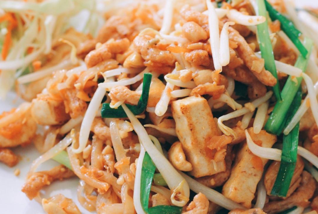 vegan, chiang mai, thailand, pad thai