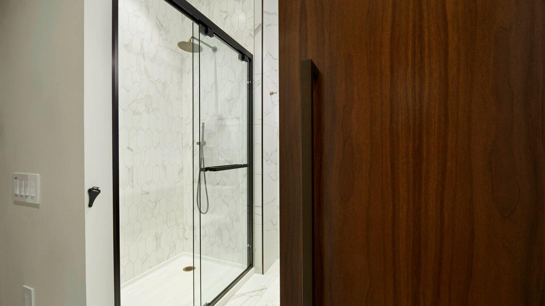 nycxm-bathroom-0049-hor-wide.jpg