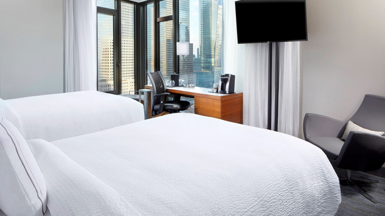 nycxm-guestroom-0010-hor-wide.jpg