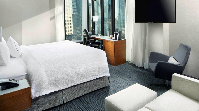 nycxm-guestroom-0017-hor-wide.jpg