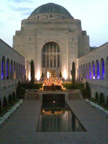 Lighting up the War memorial