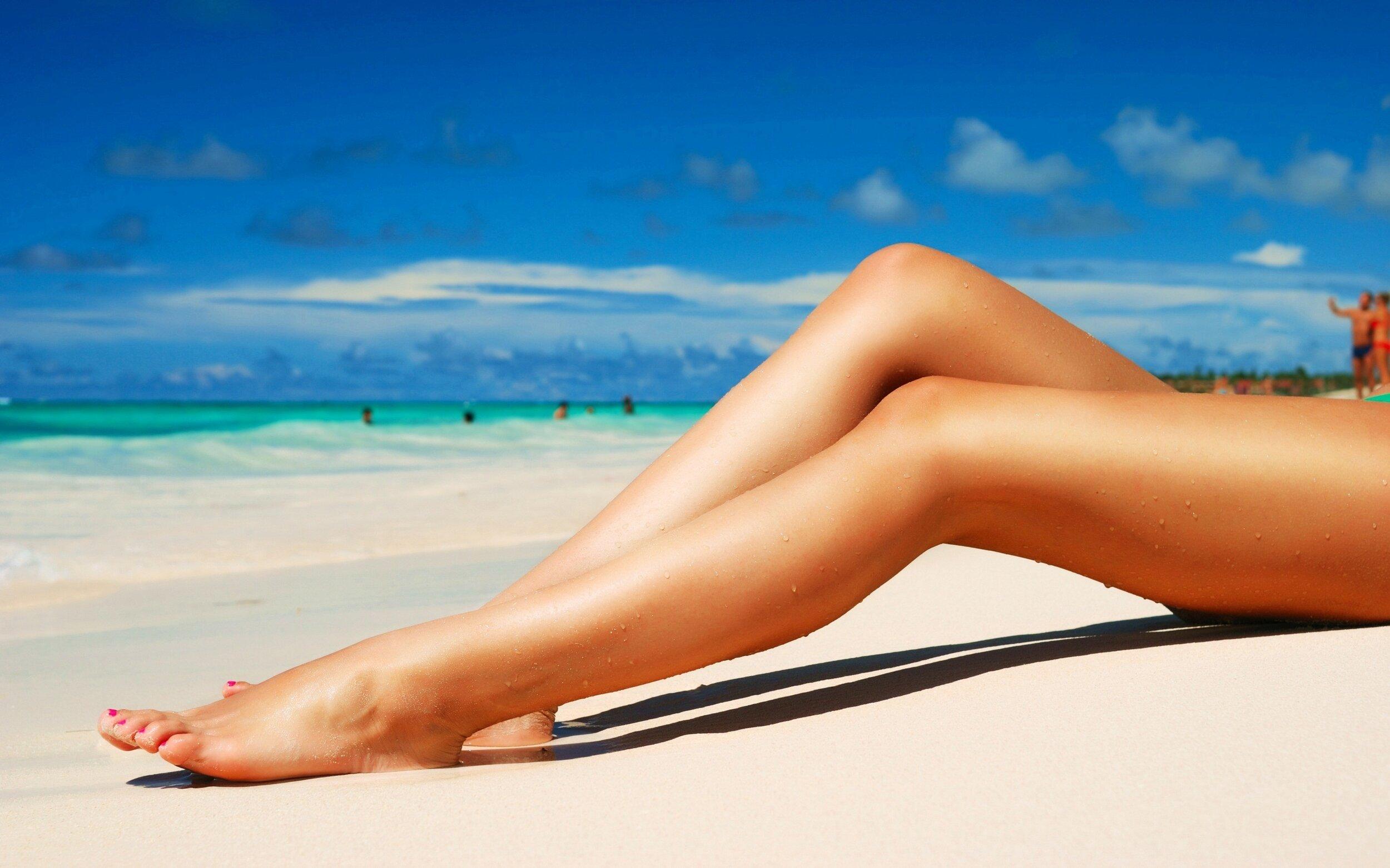 legs.beach.jpg