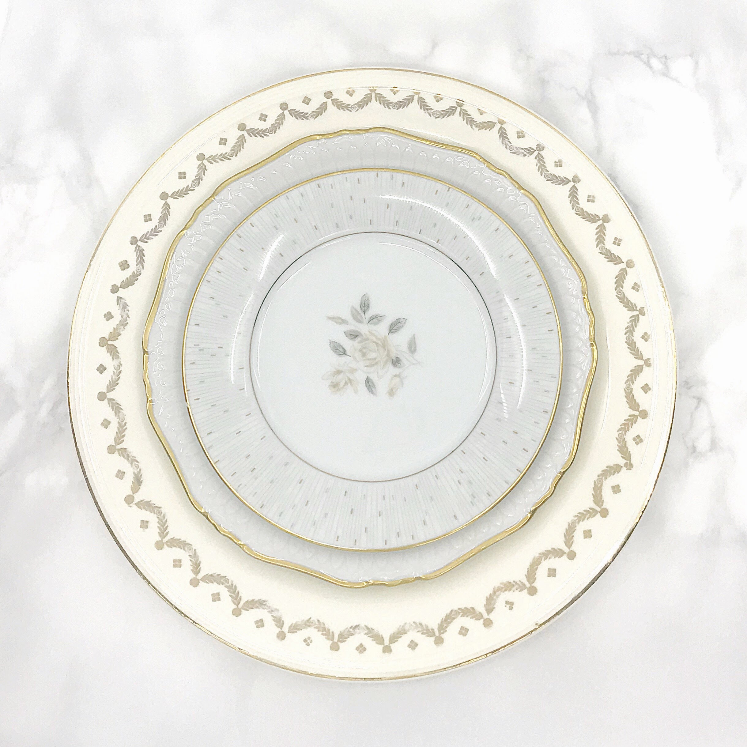 VINTAGE | White + Gold Collection China