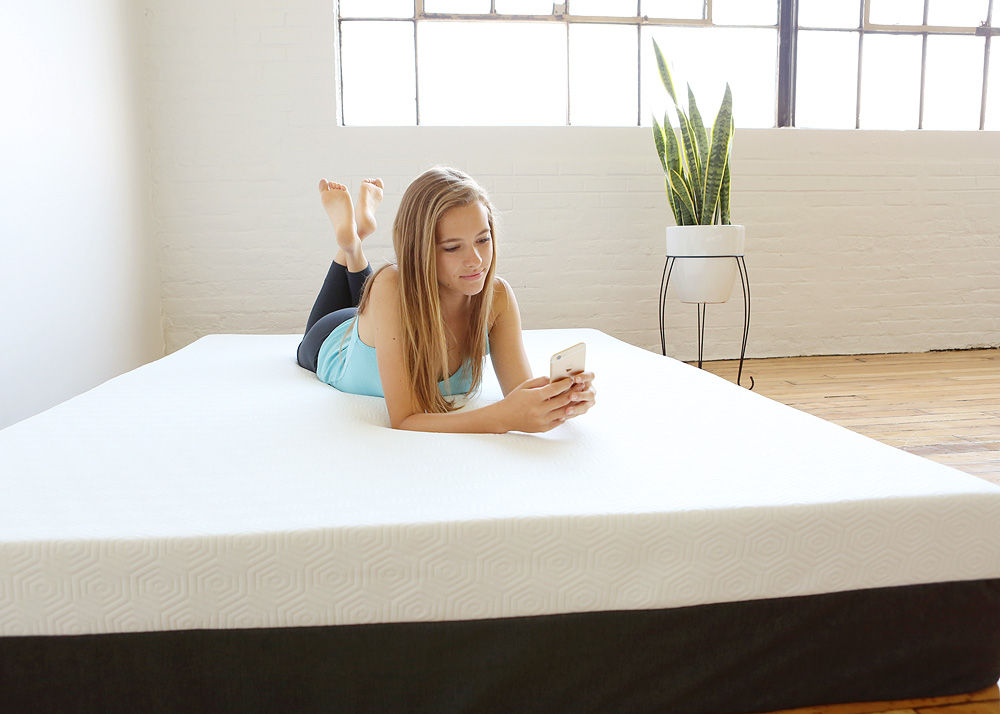 "The Bear Mattress is 10"" tall and offers a comfortable sleep surface of graphite memory foam for coolness and celliant technology for faster recovery and relief of muscle ache."