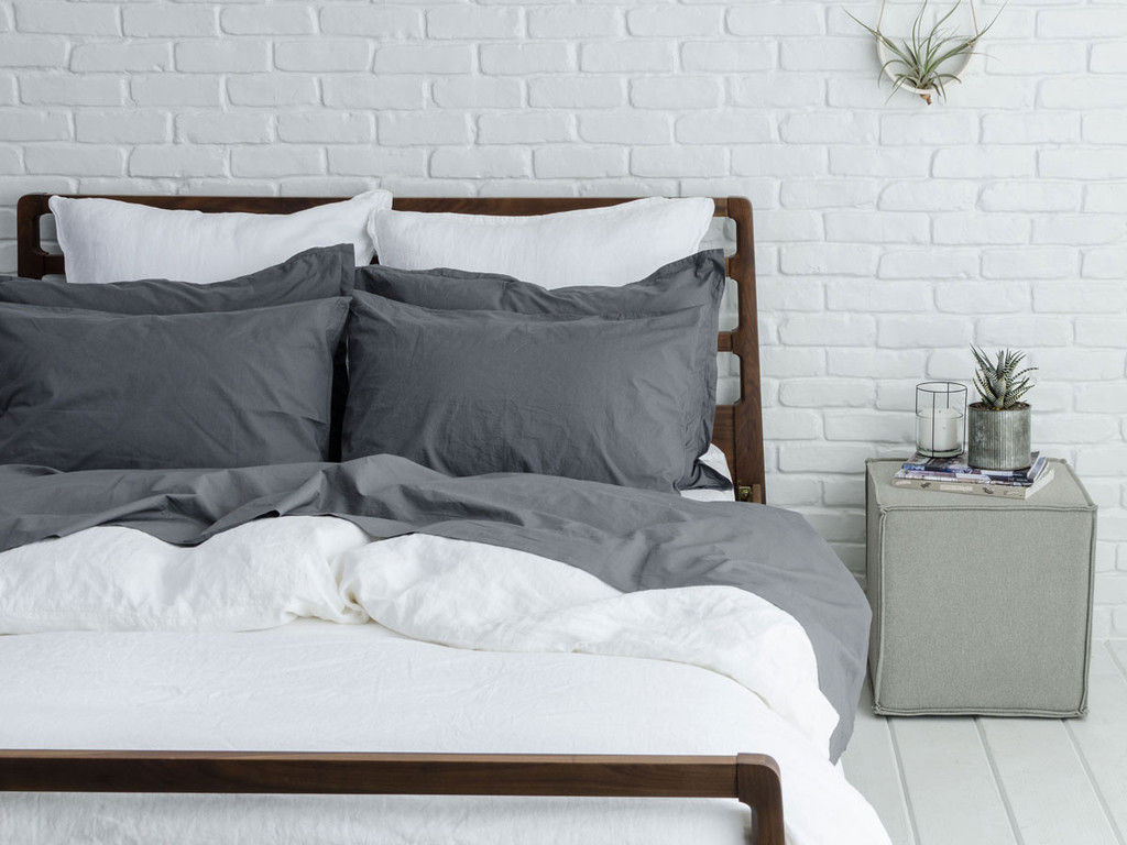 PARACHUTE PERCALE SHEETS ADD A SOPHISTICATED LOOK TO THE BEDROOM