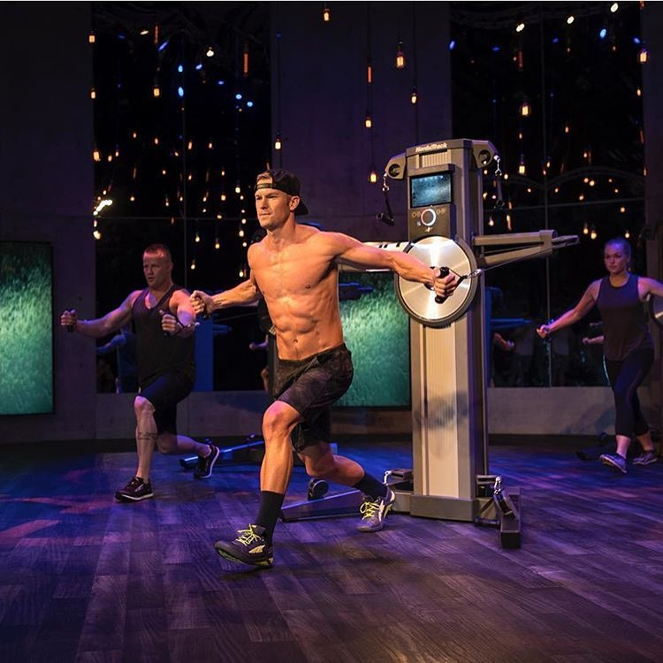 JOHN PEEL, ELITE  i FIT TRAINER , LEADS AN HIGH ENERGY WORKOUT ON THE FUSION CST DESIGNED TO DRIVE YOUR HEART RATE UP & BUILD YOUR STRENGTH AT THE SAME TIME