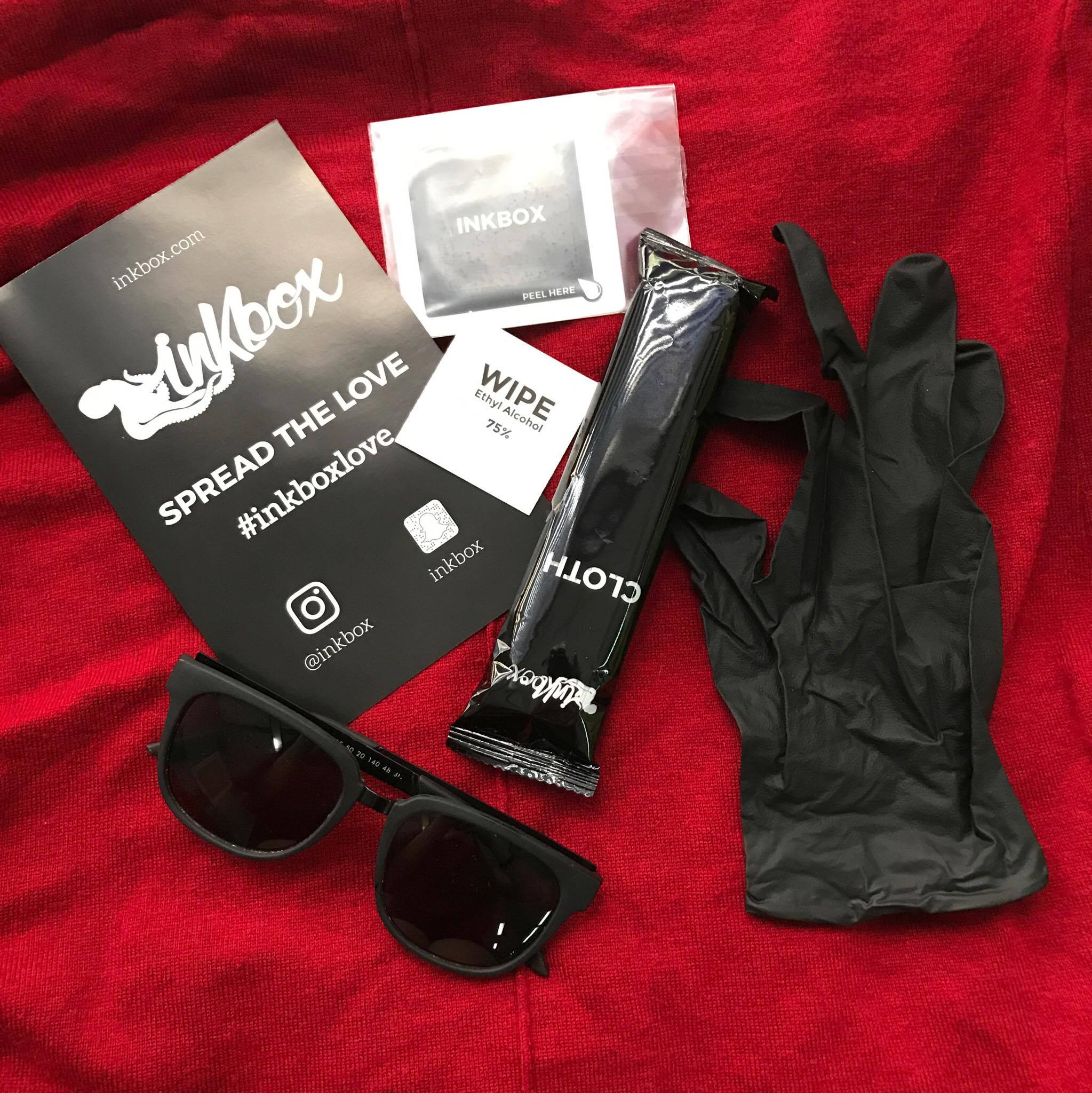 Sunglasses are from Sunnies. Not included in kit. For aesthetic purposes only.