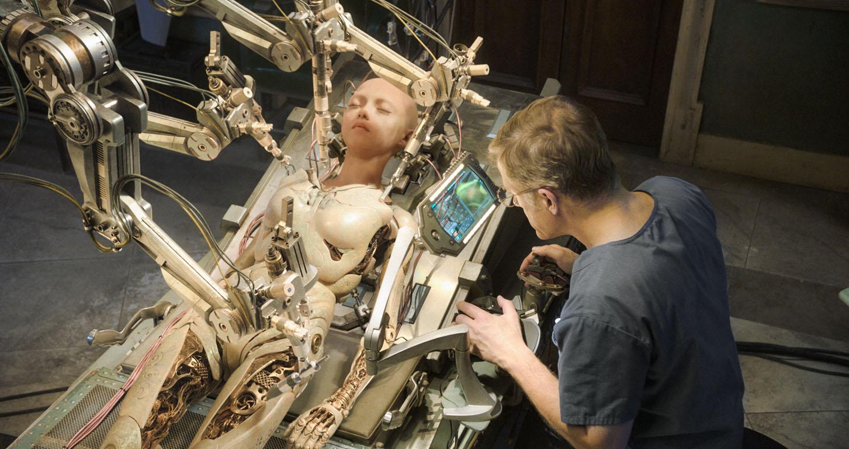 Christoph Waltz, Rosa Salazar as cyborg Alita Battle Angel.jpg