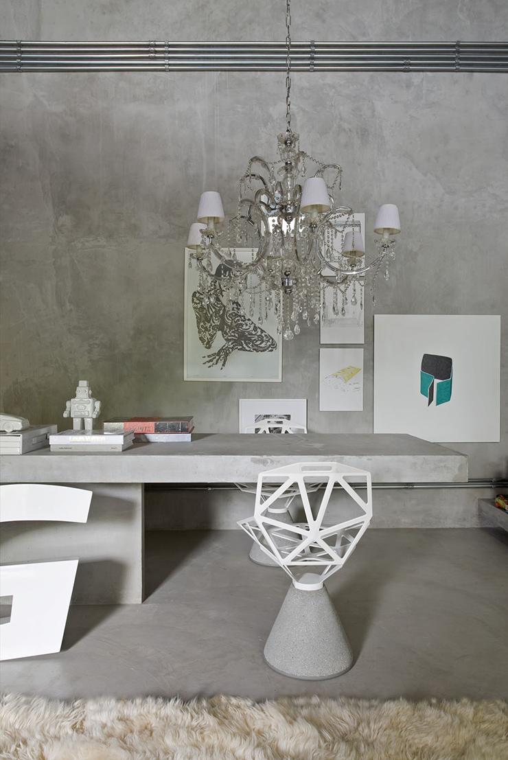 Eklektiškame stiliuje labai populiarūs ornamentai: zigzagai, vertikalios ar horizontalios juostos, apskritimai ir daug interjero aksesuarų.