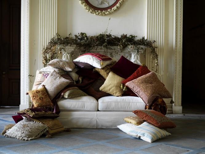 scatter_cushions.jpg