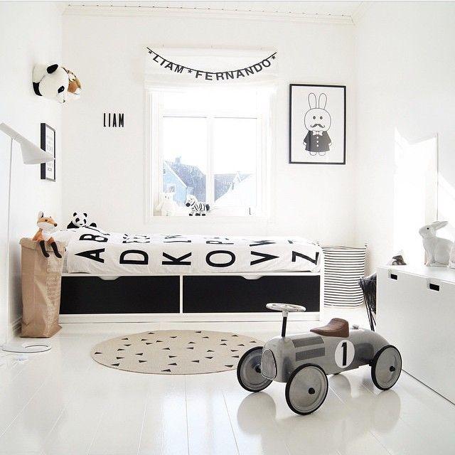 black-white-childrens-bedroom.jpg