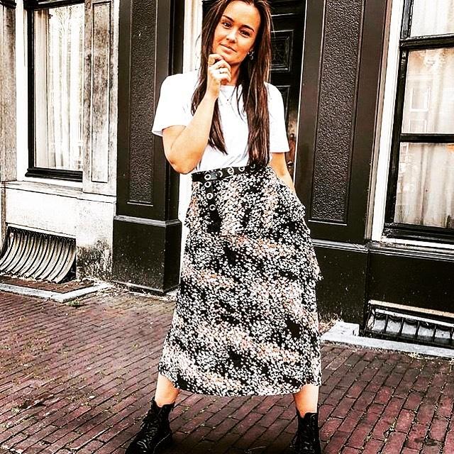 In love with these😍  Rok.  49,95 Ceintuur 49,95 . . . . . #feminine #pashokjeamsterdam #javastraatamsterdam #sumatrastraat #holiday #sunshine #oosterparkbuurt #gewoongezellig #trend #aboutalook