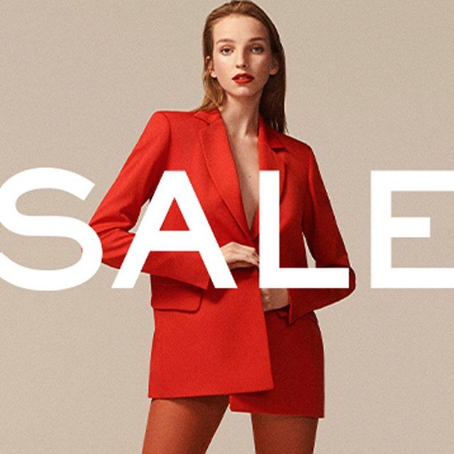 From mini dresses to essential knits, the @NETAPORTER sale is not one to miss! https://bit.ly/31BnfFz