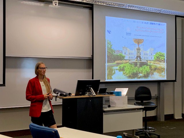 Lucie Zvolska presenting at the 4th International Conference of the Global Research Forum on Sustainable Production and Consumption