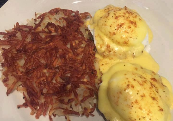 sunday brunch, Benedict's, eggs, ham, bacon, omelettes, pancakes, breakfast sandwich, hues rancheros, French toast