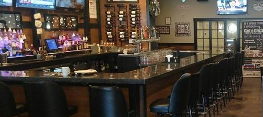 Inside the bar, drinks in shoreview, best bar in shoreview, beer on tap, bottled beer, wine, best drinks in shoreview, family friendly bar and restaurant