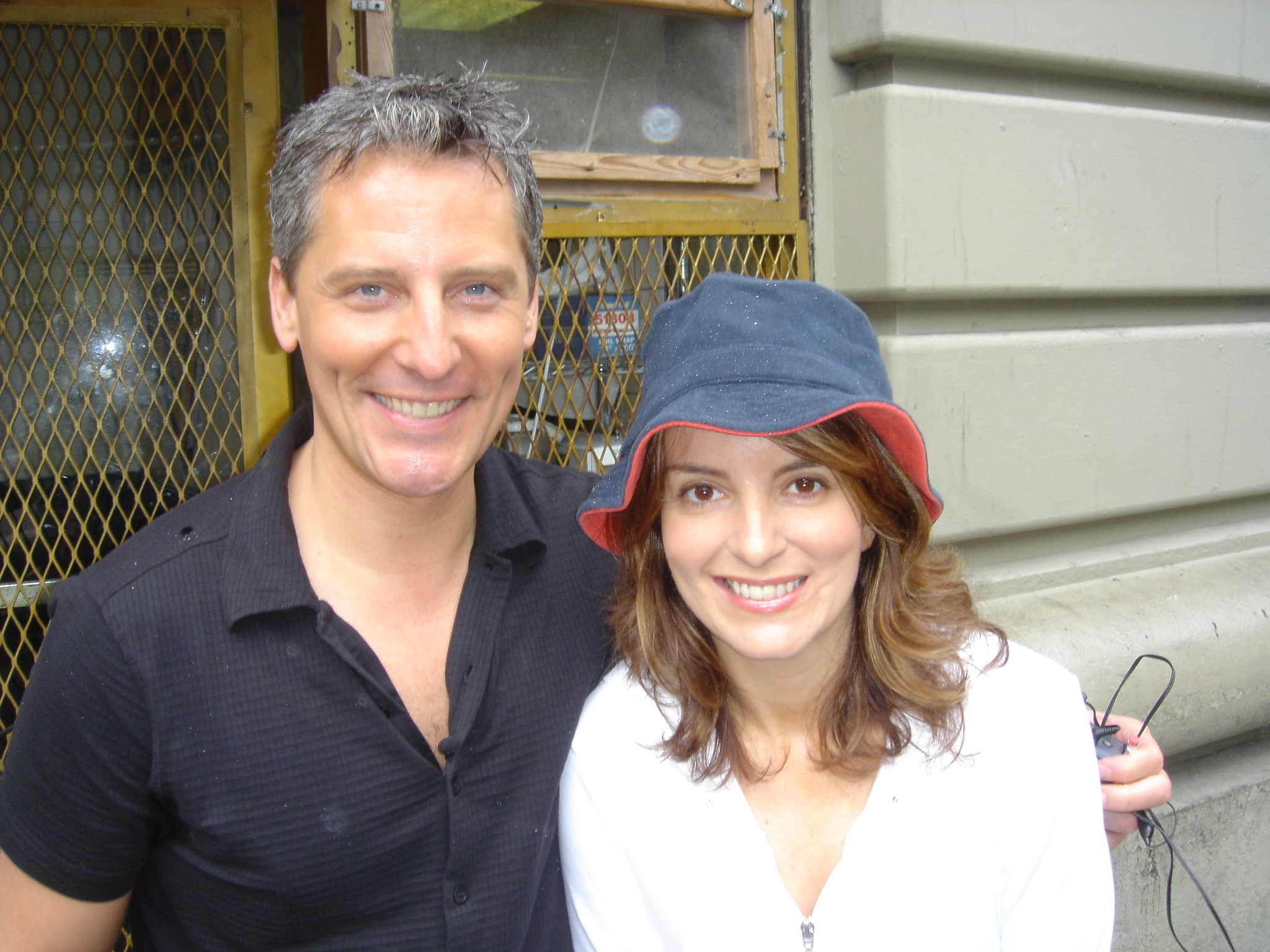 Doug Wilson & Tina Fey - It's a celebrity and designerlebrity sighting. Ever wonder is the designers of Trading Spaces get recognized by celebrities or better yet, are celebrities fans of the show? Well you bet they are! In a recent call interview, Doug admits to being stopped on the streets of NY by the likes of Tina Fey and even Matt Damon.
