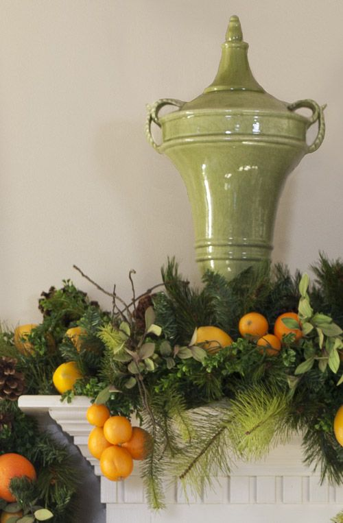 Mantle decor of garland with citrous fruit