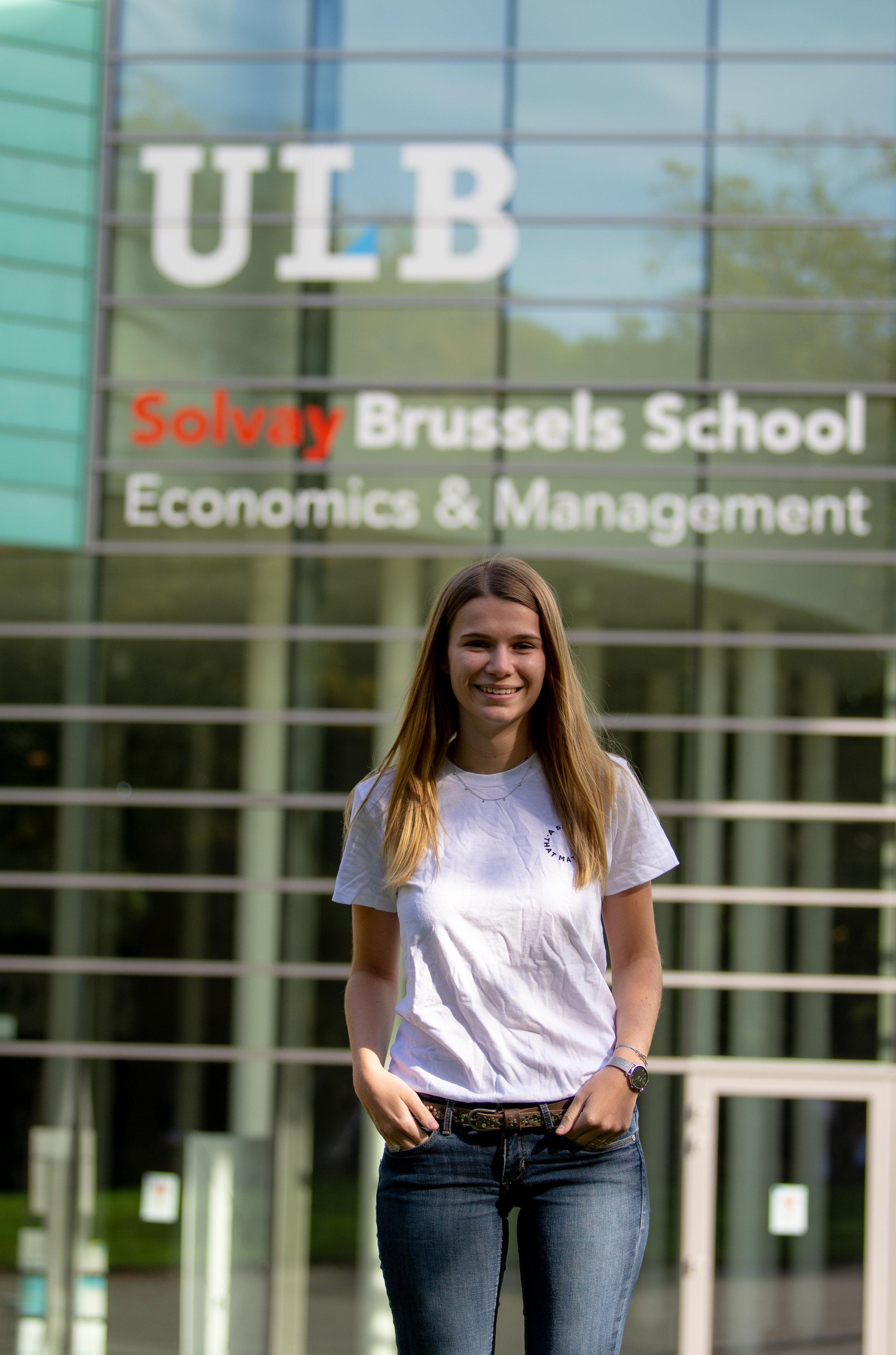 Laura Decléty  Vice-President   Email  ---  LinkedIn