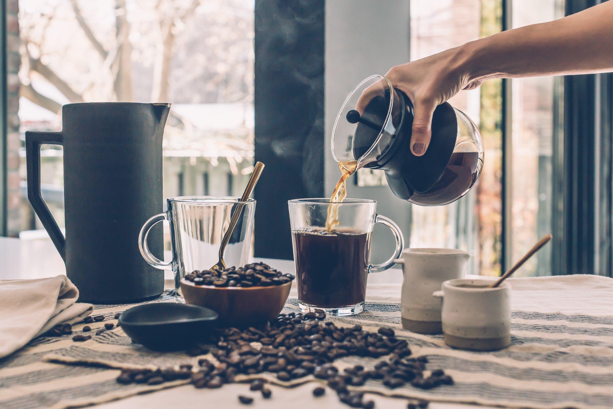 beverage-breakfast-brewed-coffee-374885.jpg