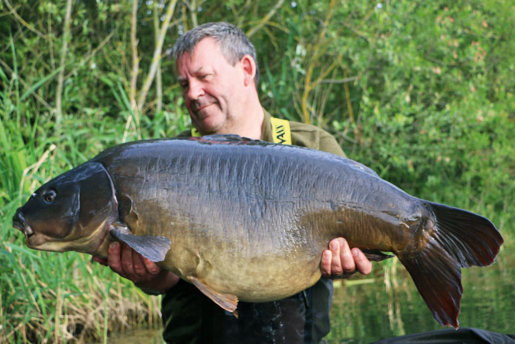 This upper 50 fell to Max's preferred tactics of fishing over a mixed bed of sweet and savoury, and/or, light and dark baits