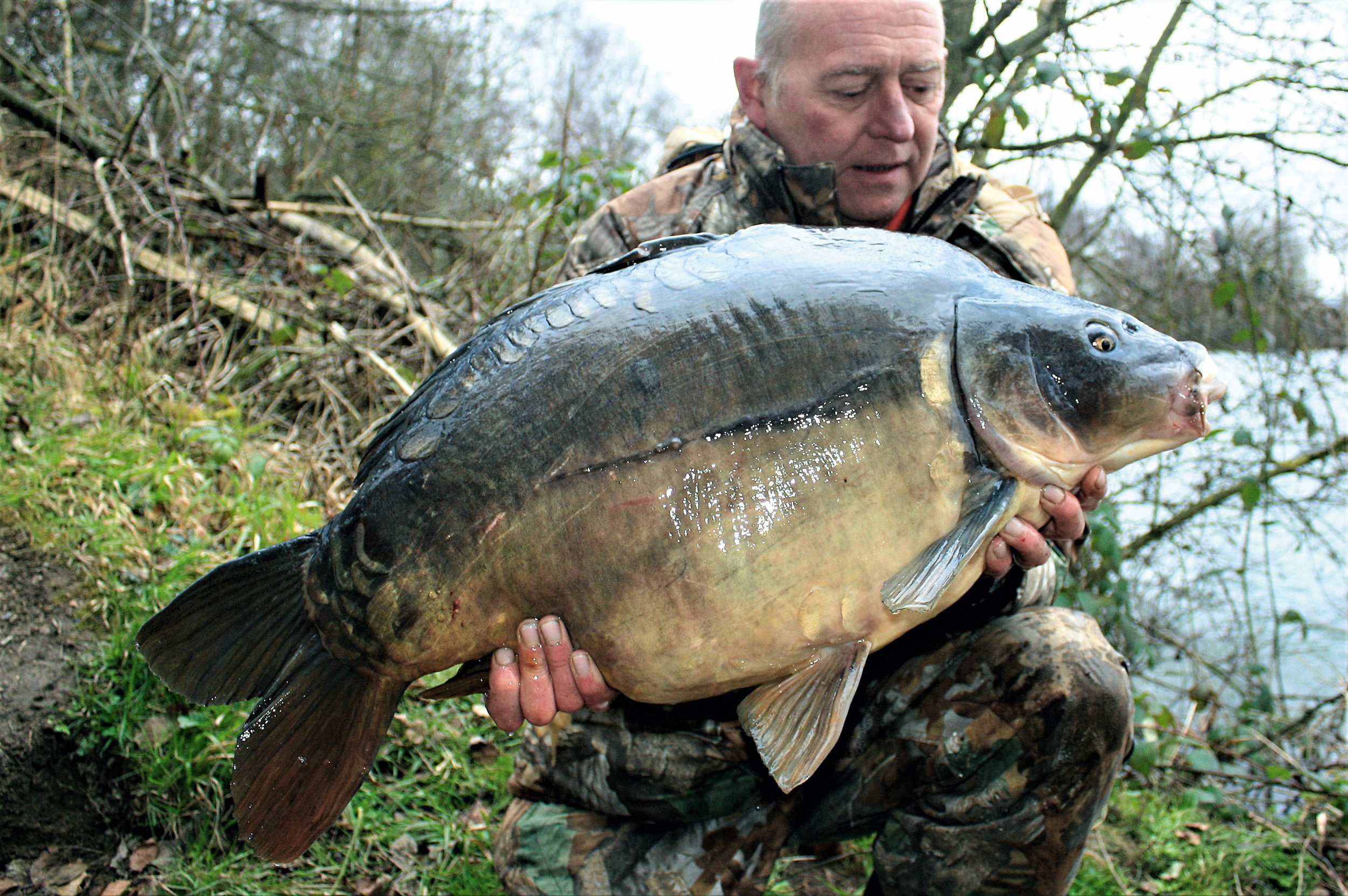 The carp caught in the picture was caught using small PVA mesh bag of rock salt, hooked onto the rig prior to casting, to draw attention to the hookbait