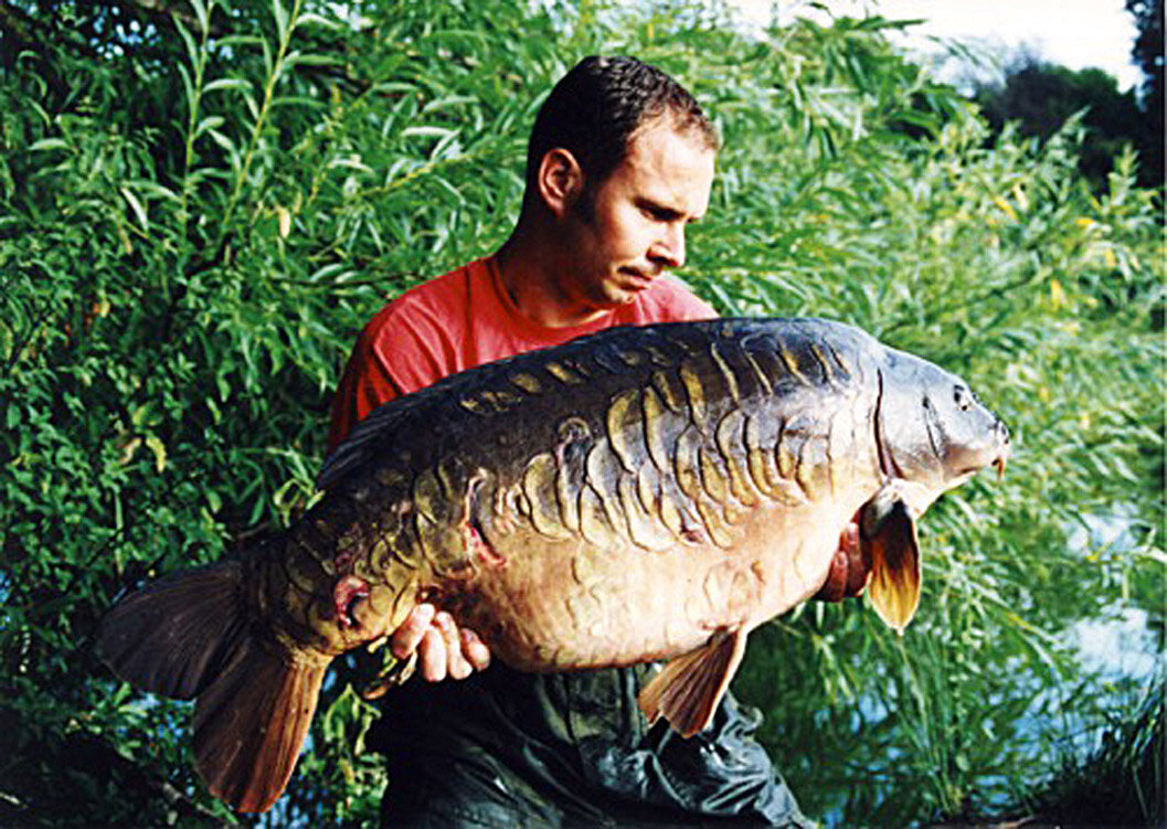 Dave with the awe inspiring 'Big Fully' - a fish that left enough of an impression on him to celebrate its capture on the front cover of his highly-praised book - Fallen Kings