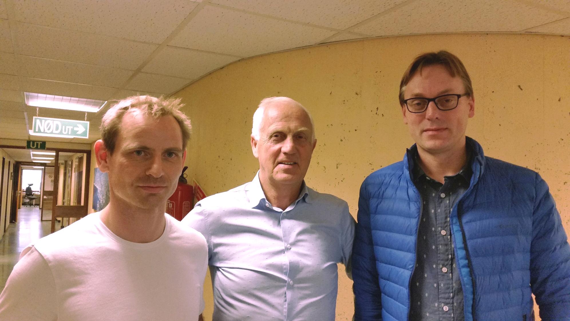 Øystein Mårstøl; prosjektleiar i Ørsta kommune, Stein Aam; ordførar i Ørsta kommune, og Henning Heltne; Tømrer Service AS.